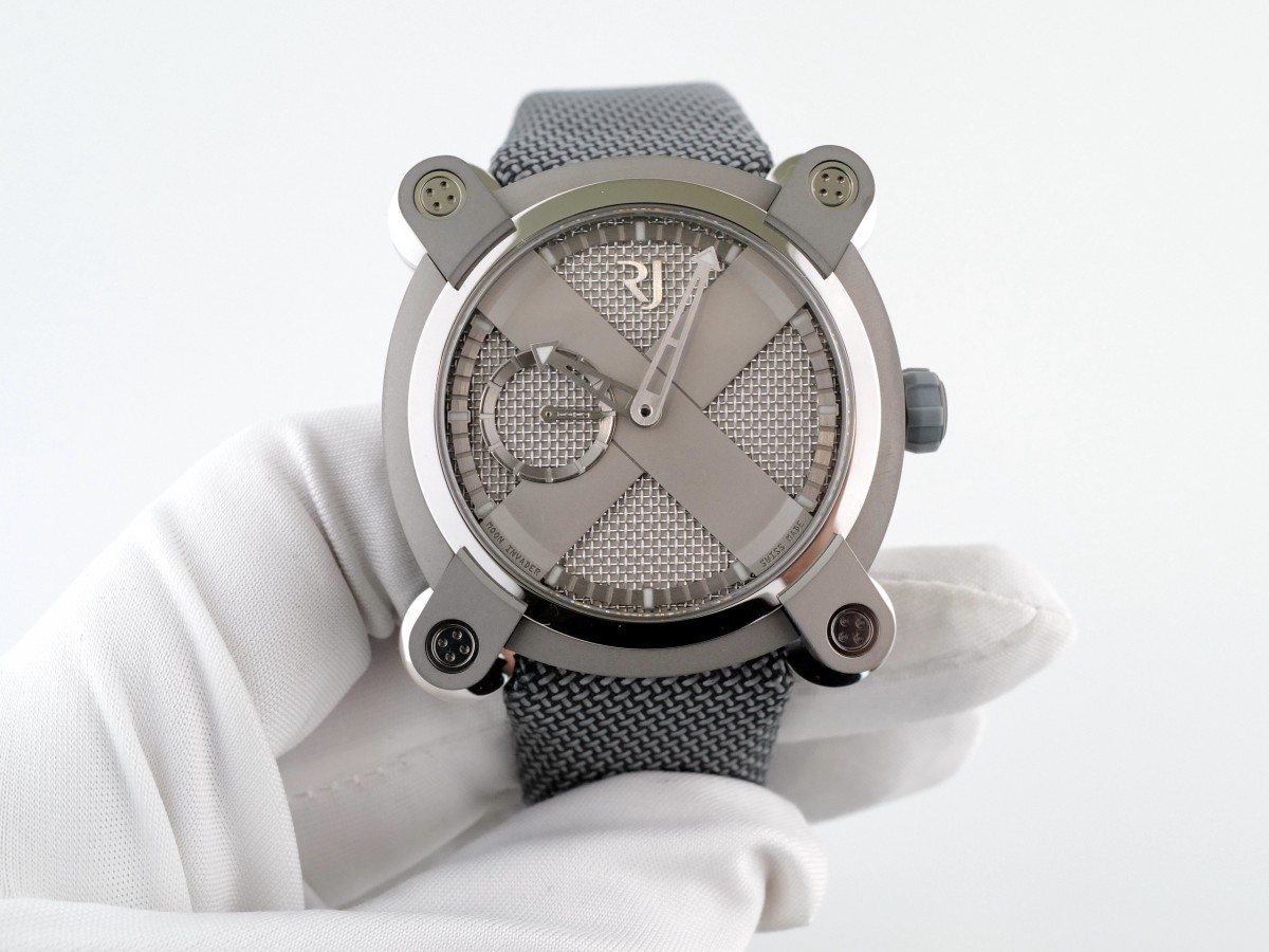 Швейцарские часы Romain Jerome Moon Invader Heavy Metal Limited 1969