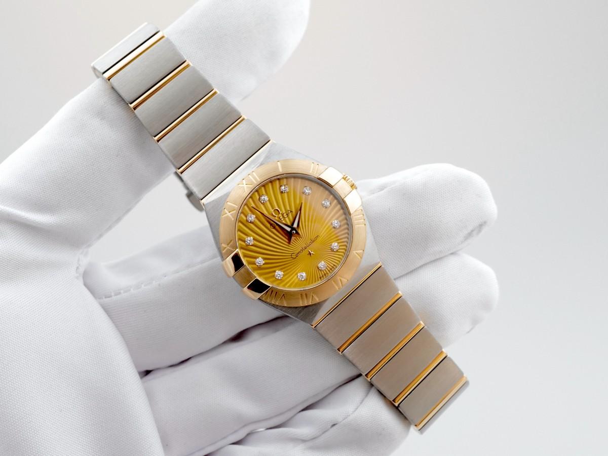Швейцарские часы Omega Constellation Quartz Champagne Diamond Dial
