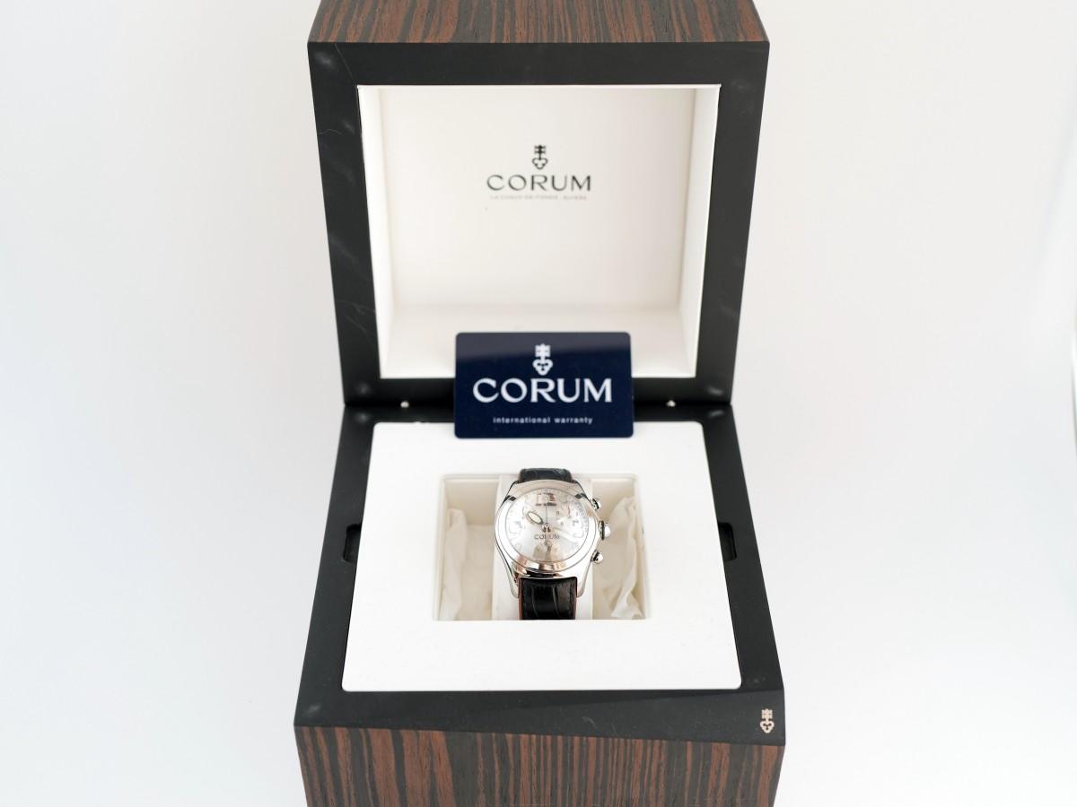 Швейцарские часы Corum Bubble XL Chronograph