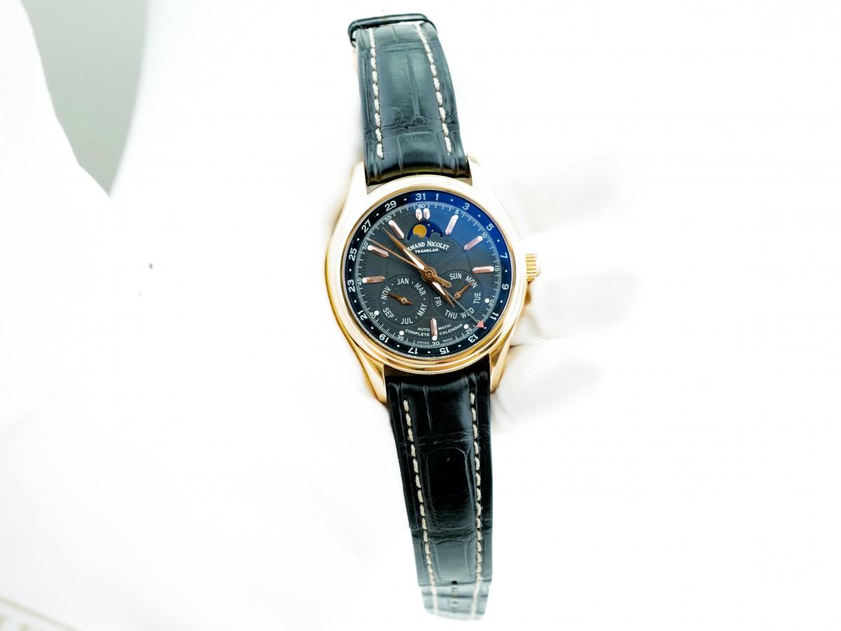 Швейцарские часы Armand Nicolet M02 Complete Calendar 18k Rose Gold