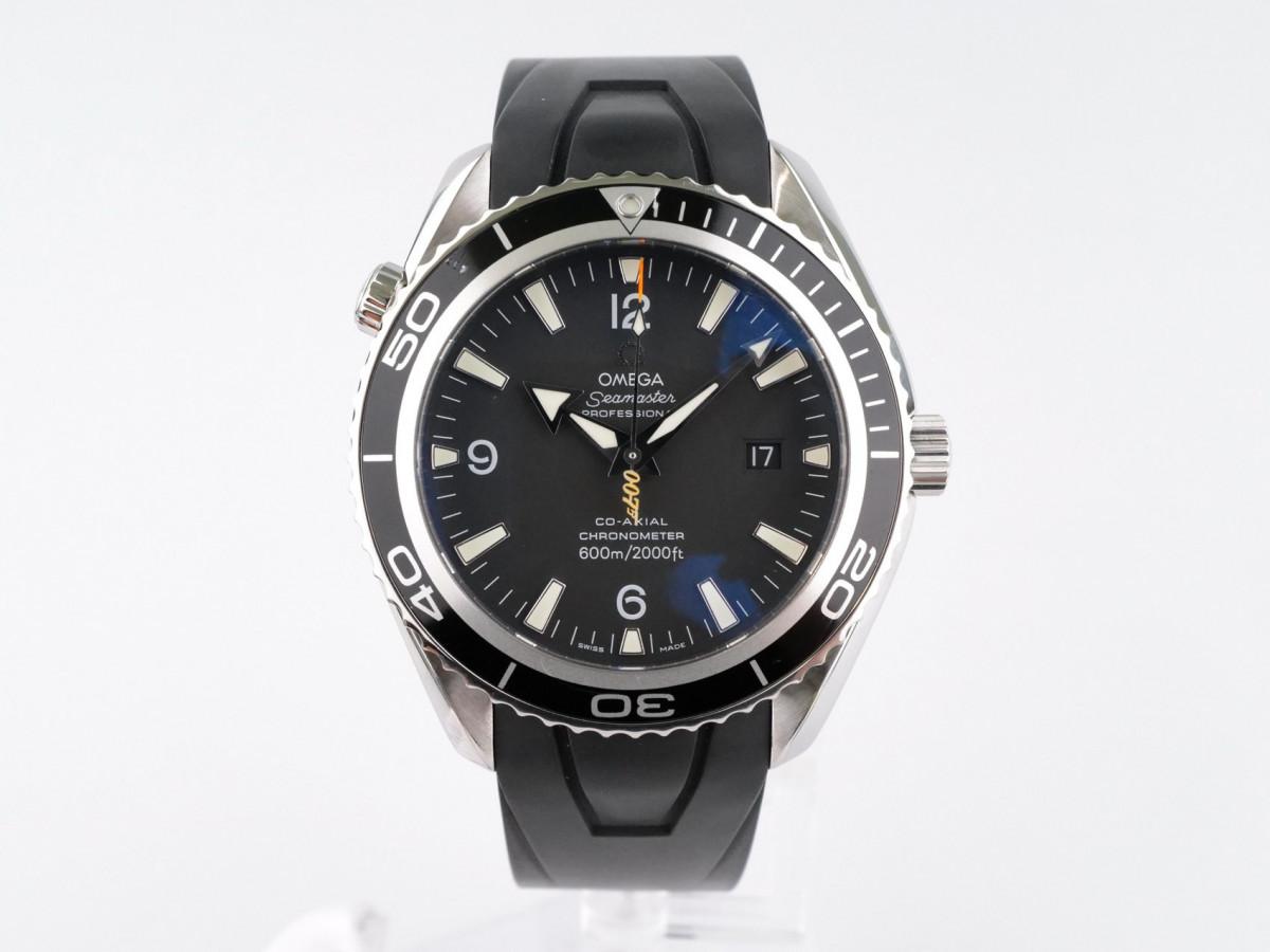 Швейцарские часы Omega Seamaster Planet Ocean Casino Royale