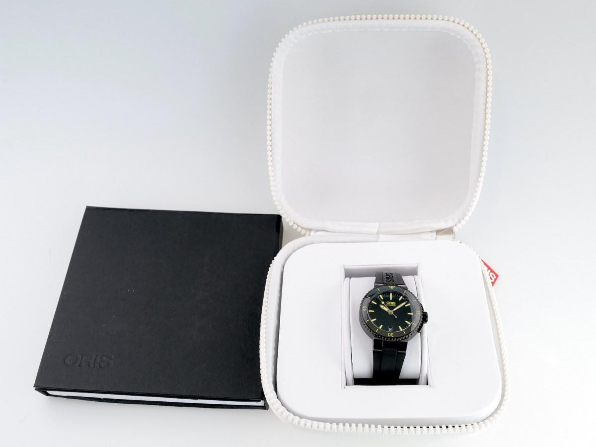 Швейцарские часы Oris Aquis Date 36 mm