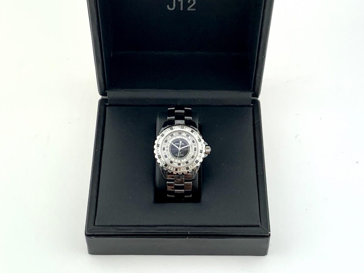 Швейцарские часы Chanel J12 Black Ceramic 38 Automatic Diamonds