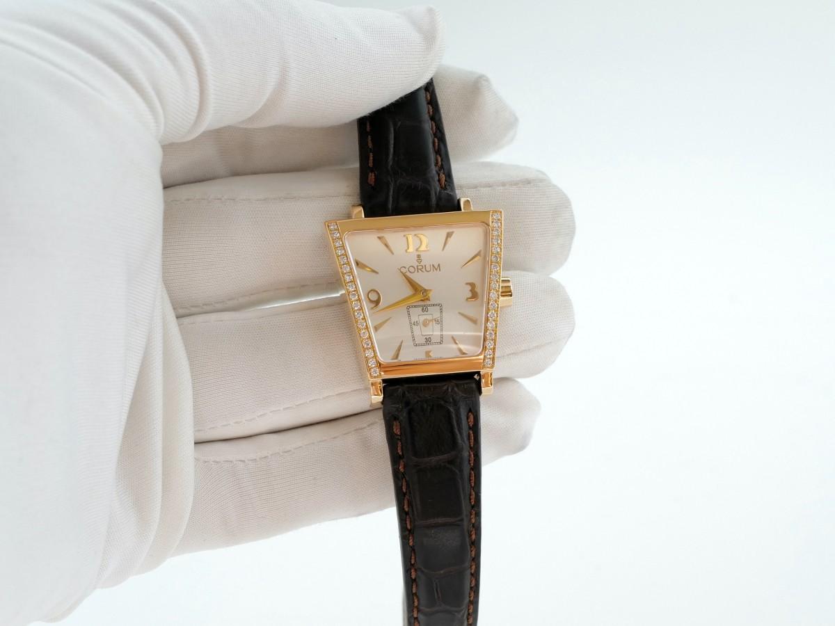 Швейцарские часы Corum Trapez Lady 18k Yellow Gold Diamond