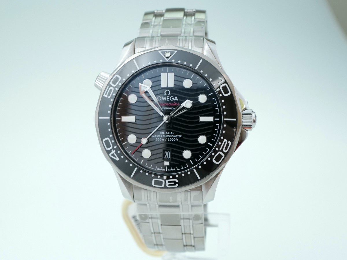 Швейцарские часы Omega Seamaster Diver 300m Co-Axial 42mm Black