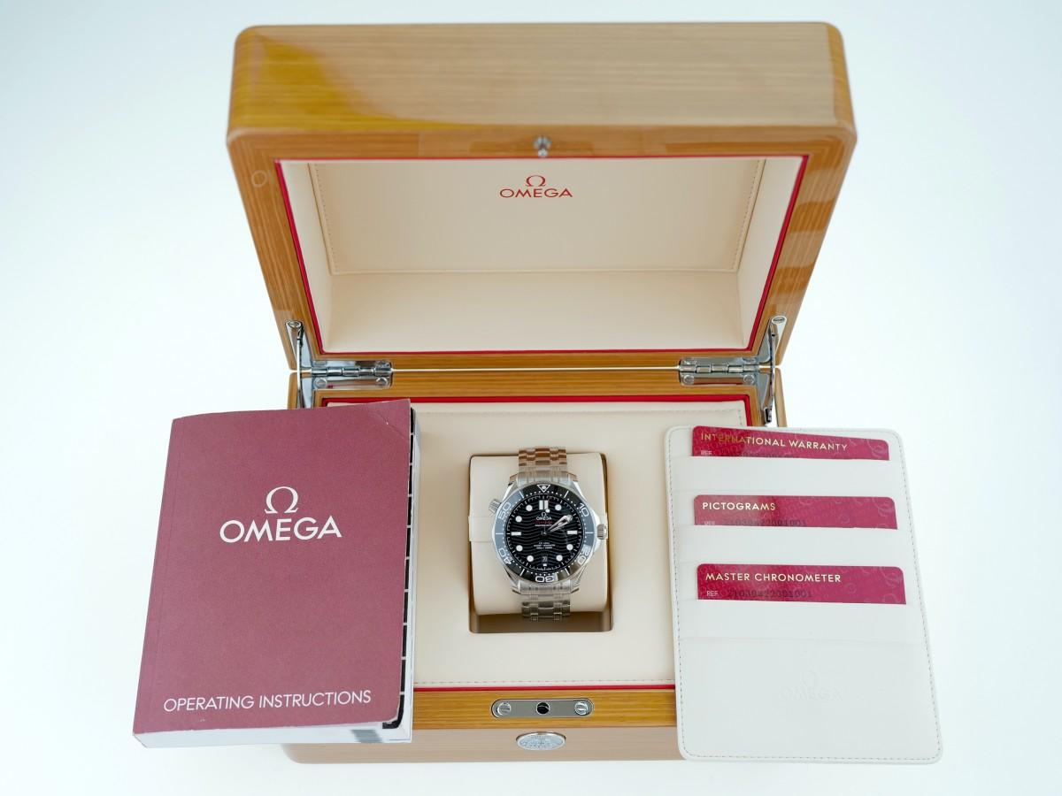 Швейцарские часы Omega Seamaster Diver 300m Co-Axial 42mm Black