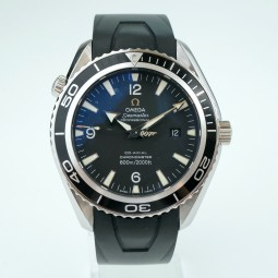 Швейцарские часы Omega Seamaster Planet Ocean Casino Royal 007 Limited