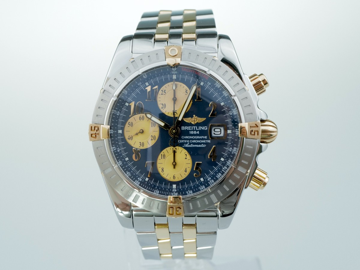Швейцарские часы Breitling Chronomat Evolution 18K Gold B13356 44mm