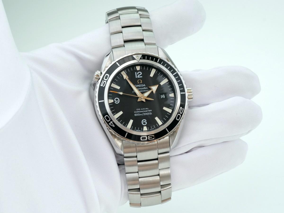 Швейцарские часы Omega Seamaster Planet Ocean Co-Axial 22015000 42mm