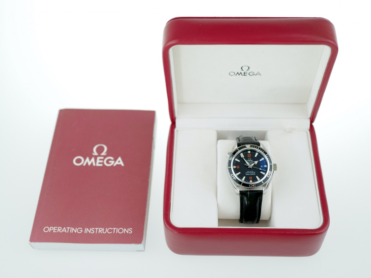 Швейцарские часы Omega Seamaster Planet Ocean Co-Axial 600M 42mm