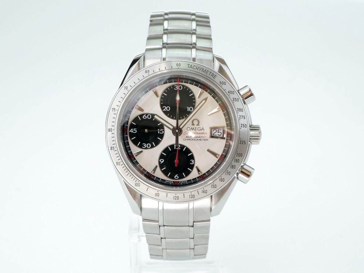 Швейцарские часы Omega Speedmaster Date Panda Dial Chronograph